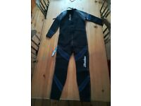"New Osprey Men's Full Length Wetsuit 2.5mm Neoprene. Small/36.5"" Chest wet suit"