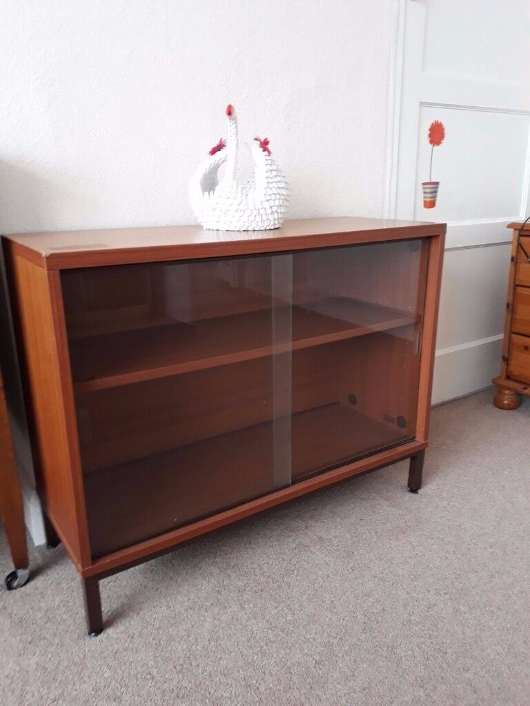 Glass door cabinet USED but still very good