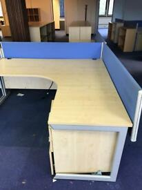 1800mm x 1800mm Radial Maple Desk with 1 x desk partition