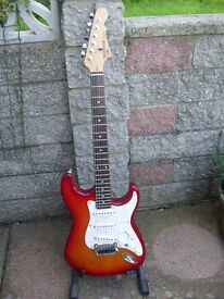 G&L TRIBUTE S500 WITH HARD CASE £280.