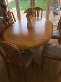Extendable Solid Oak Dining Table - 6 Chairs. Good Condition.