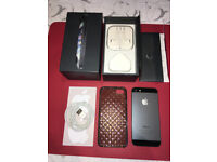iPhone 5 16GB Unlocked complete with Box, EarPods, USB Cable and USB Power Adapter