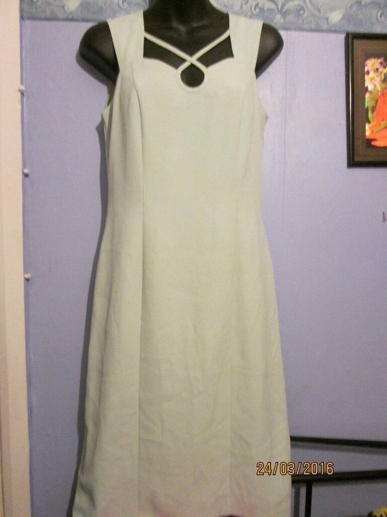 BEAUTIFUL MINT GREEN EVENING DRESS SIZE 36 /10 BY ELINETTE PARTY OR WEDDING