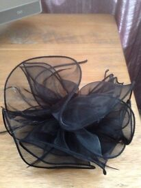 Black Fascinator Hair Accessorie £5