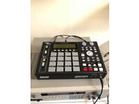 Akai MPC 1000 - mint condition with power cable