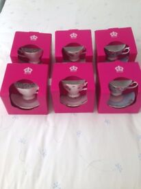 Royal Albert Vintage Teacups & saucers