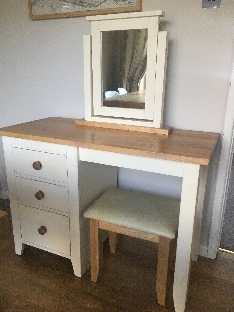 Mirrored Vanity Table And Stool: Solid Wood Dressing Table, Mirror And Stool
