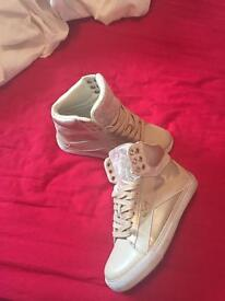 Pastry trainers size 3