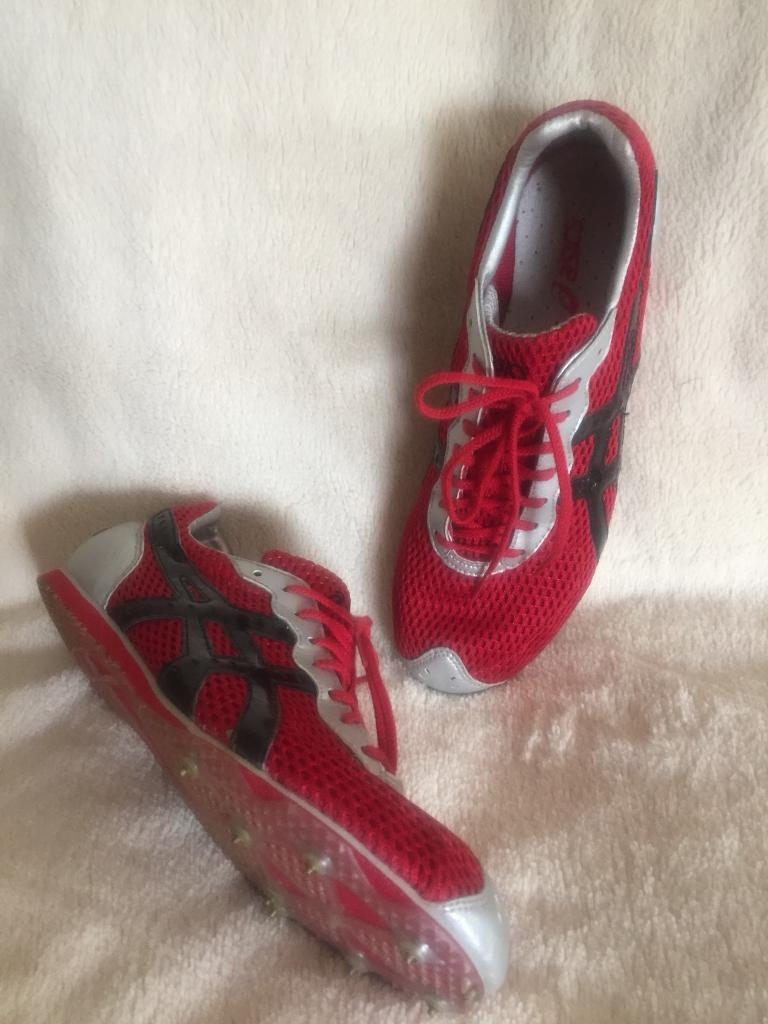 ASICS red RUNNING SPIKES. Size UK6.5-7.5. Worn once only. Superlight