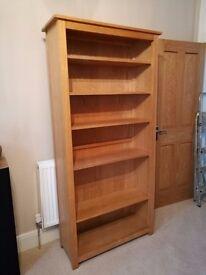 Large oak bookcase with 5 adjustable shelves