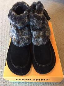 Brand new Earth Spirit ladies boots size 7