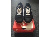 Nike Air Max 90 Ultra Essential Black/White (SIZE: UK 7.5, US 8.5, EUR 42)