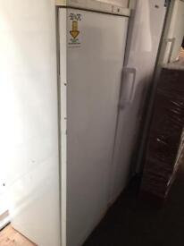 White mondia frost free H 165cm W 60cm freezer good condition with guarantee bargain