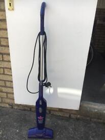 Light weight vacuum cleaner