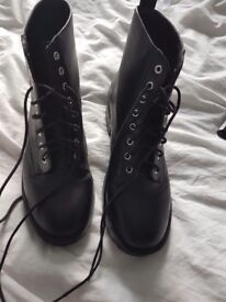 H&M boots size 6 brand new