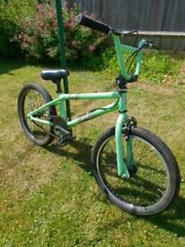 DIAMONDBACK JOKER BMX BIKE
