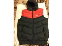 Nike men's bodywarm vest jacket padded with hoody full zipper size XL black red £25