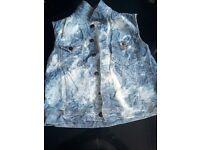 Men's New Looks creased denim sleeveless jacket size XL