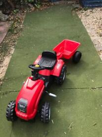 Excellent Condition Smoby Ride On Tractor with Lift up lid to play with the Engine
