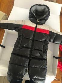 Moncler - winter snowsuit size 9-12 months