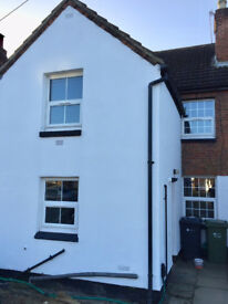 5 bed house backing onto river. Off Street parking. Large garden. Newly refurbished