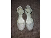 Monsoon girls shoes size 2 (34)