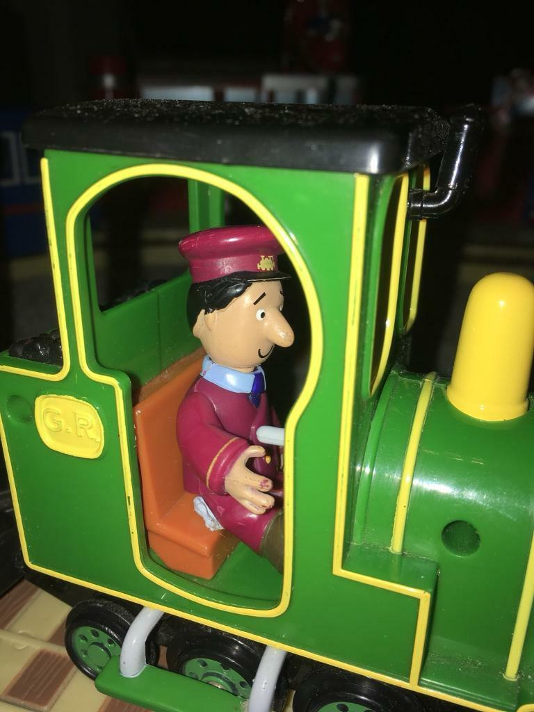 Postman Pat, Greendale Village and vehicles