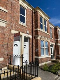 LOVELY 2 BED UPPER FLAT TO RENT ON WINDSOR AVENUE, BENSHAM. LOW MOVE IN COSTS! VIEWINGS AVAILABLE.