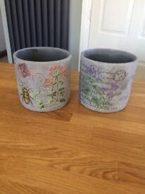 Two beautiful plant pots (matching)
