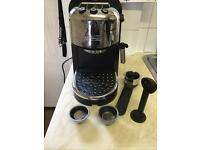 De longhi EC271B coffee machine.
