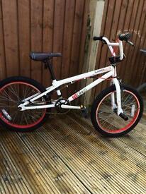 BMX bicycle GT slammer