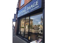 Urgent: Beauty Room for rent - Nail bar space for rent! Cheaaaap on Staines High street !!