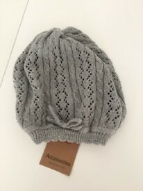 BRAND NEW - light grey knitted hat