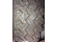 6.40 x 15 crossply tyre
