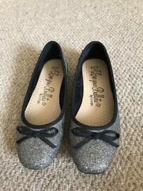 Pretty girls party shoes Size 33 / UK1