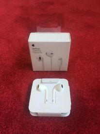 **Brand New earphones, headphones for iphone 7 (lightening) onwards...