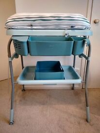 LESS THAN HALF PRICE FOLDABLE BABY BATH & NAPPY CHANGING TABLE / STATION and mat