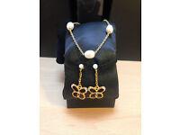 Gold bracelet & earrings costume jewellery set **BRAND NEW NEVER BEEN WORN**