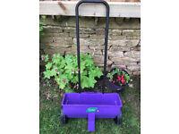 Lawn fertiliser spreader - Westland