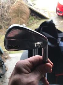 Snake eye blade golf clubs
