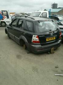 2006 Kia sorento 2.5 diesel for breaking only all parts available