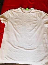 HUGO BOSS T-Shirt size L