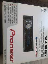 Pioneer Bluetooth aux mp3 cd player looks like brand new
