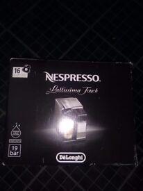 Nespresso Lattissima Touch COFFEE MACHINE EXC CONDITION HARDLY USED