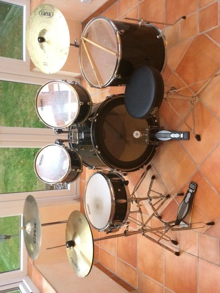 8 piece Drum Kit (buyer must collect)