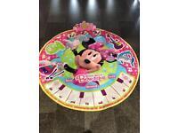 Minnie Mouse bow-tique mat