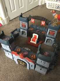 Great kids castle play set for sale - great with dragons knights etc