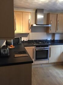 Specious double room to rent in Lordswood