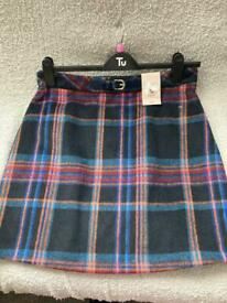 Brand New With Tags - Chekered skirt Size 12-14