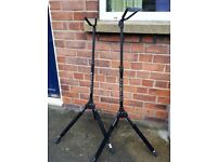 2 Nr Ultimate GS-100 Guitar Stands